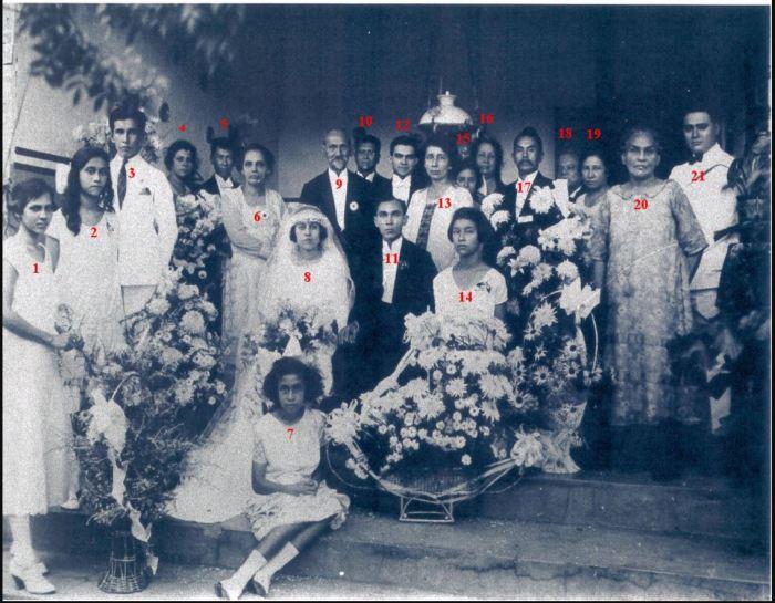 Groeps foto huwelijk P.P. Vao;ant en Flora Helena.
